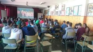 salón de actos en inglés
